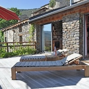 Stone House With 3 Rooms in Ayguatebia Talau in the Pyrénées, With Wonderful View, Furnished Terrace and Wifi