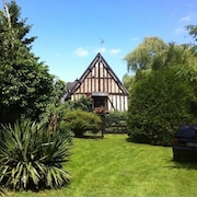 Splendid Half-timbered in Normandy With 4 Rooms in Dame-marie, With Furnished Garden and Wifi - Sleeps 8