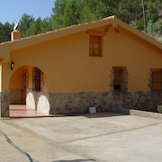 House With 3 Bedrooms in Yeste, With Wonderful Mountain View, Furnished Garden and Wifi