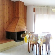 Apartment With 2 Bedrooms in Velina, With Wonderful Mountain View, Terrace and Wifi - 6 km From the Beach