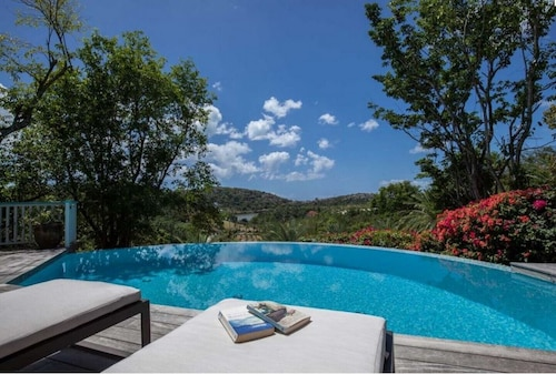 Wonderful Private 2 Bedroom Villa Just a Short Walk From the Beach With Great Views