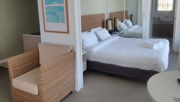 1 bedroom, in-room safe, iron/ironing board, cots/infant beds