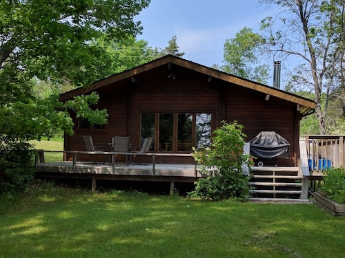 Lakeview Escape to Muskoka - Spruce 3 Bedroom Cottage