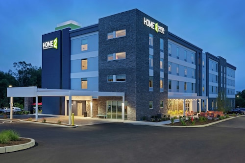 Home2 Suites by Hilton Smithfield, RI