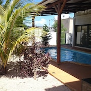 Private Vacation Rental Near the City and Close to the Beach