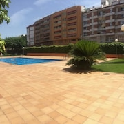 Entire Flat With Private Pool Airco Wifi for 4 People at 23min From BCN