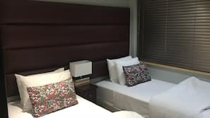 2 bedrooms, Egyptian cotton sheets, premium bedding, desk