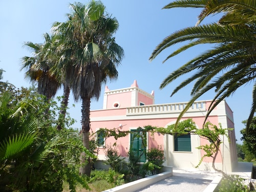 Beautiful Villa in the Green of Salento, 90sqm, Quiet and Luxurious