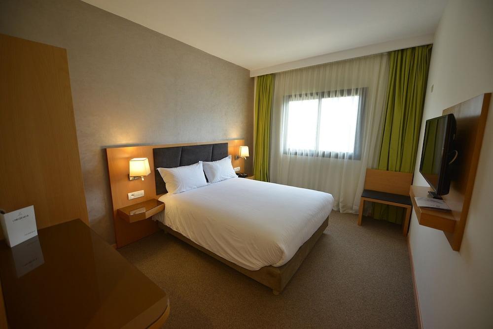 Hotel Annakhil In Rabat Hotel Rates Reviews On Orbitz