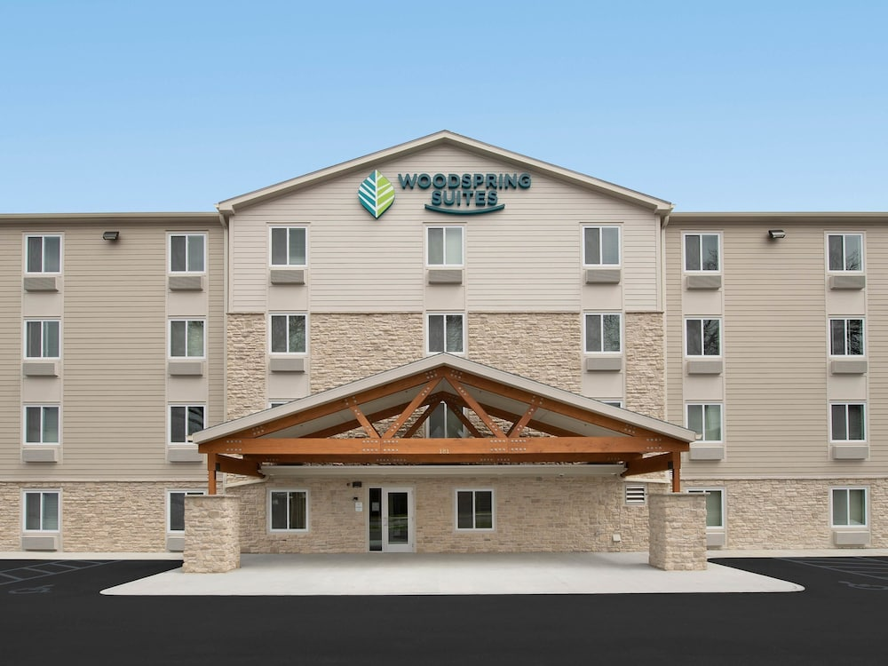 Front of Property, WoodSpring Suites Naples
