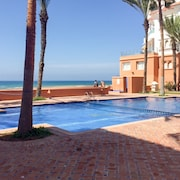 Sunny, 2-bedroom Apartment in Bouznika With a Private Beach at 20m and Swimming Pool Access!