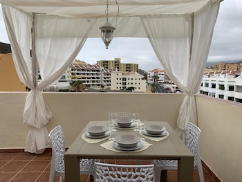 Apartment With 2 Bedrooms in Los Cristianos, With Wonderful Mountain View, Enclosed Garden and Wifi - 170 m From the Beach