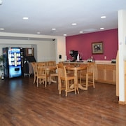 North Shore Inn & Suites