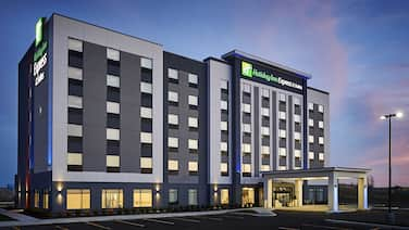 Holiday Inn Express and Suites Brantford, an IHG Hotel
