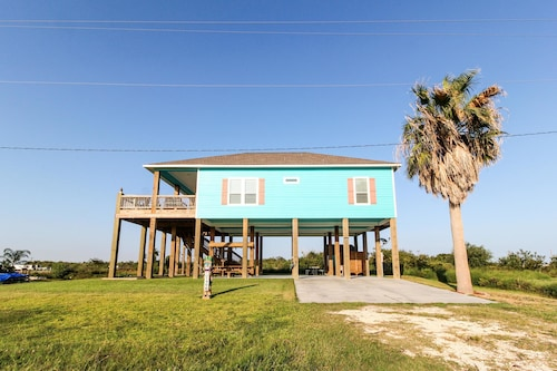 Great Place to stay Reel Life Paradise Apartment 3 near Galveston