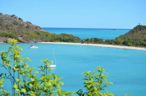 *please Enquire - Specials Available - Stunning 6/7 Bedroom Villa With Amazing Views in Galley Bay