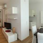 NEW Beautiful Apartment 650m From the Tower