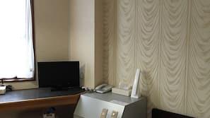 書桌、免費 Wi-Fi