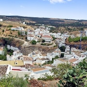 Traditional, 3-bedroom House in Downtown Setenil de las Bodegas With a Balcony and Gorgeous Views!