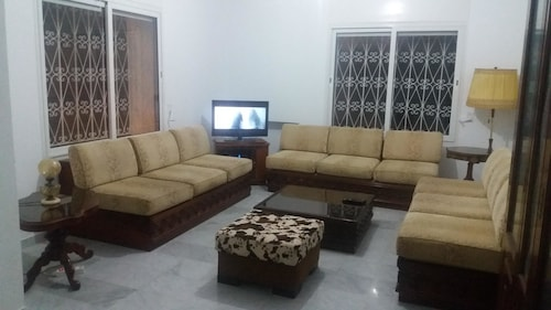House With 3 Bedrooms in Raoued, With Enclosed Garden and Wifi