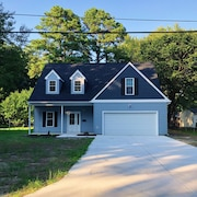 Cozy Brand New 5 Bedroom Home Within Walking Distance To CNU