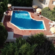 Apartment With 3 Bedrooms in Pineda de Mar, With Wonderful sea View, Pool Access and Enclosed Garden - 60 m From the Beach