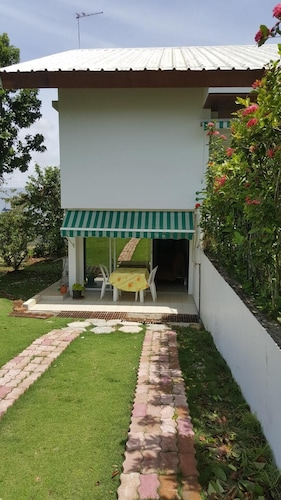 Apartment With one Bedroom in Baie Mahault, With Enclosed Garden and Wifi - 15 km From the Beach