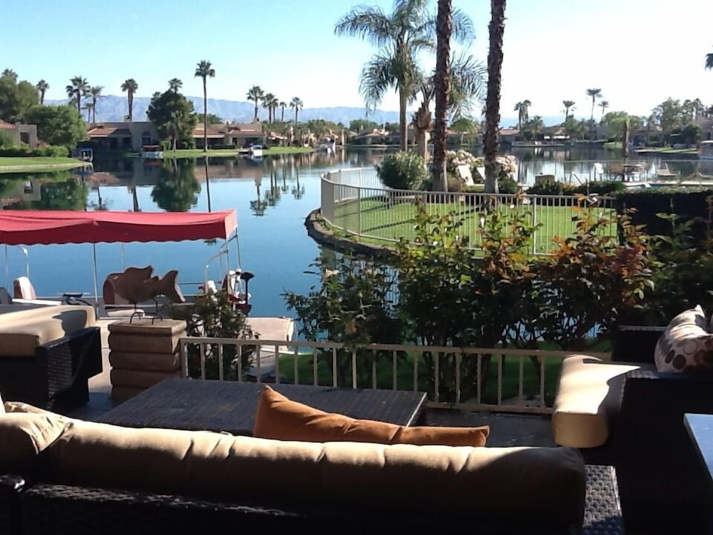 Spectacular Lake Front In The Desert Sept And Dec Sale Lake Mirage