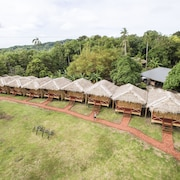 9 Huts on a Hill