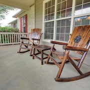 Hill Country Oaks Apartment 4