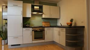 Kühlschrank, Ofen, Herd, Hochstuhl