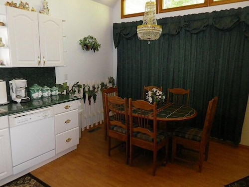 Private Kitchen, The Briar Patch