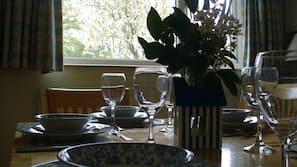 Fridge, microwave, hob, toaster