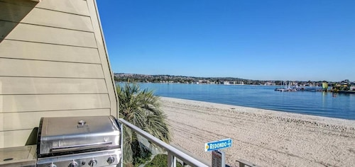 This Bayfront Condo is Perfect for the Whole Family!