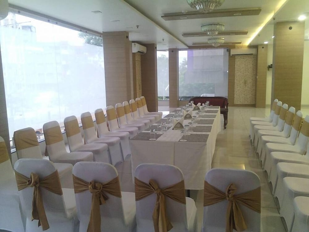 Business Center, Hotel The Signature Asansol