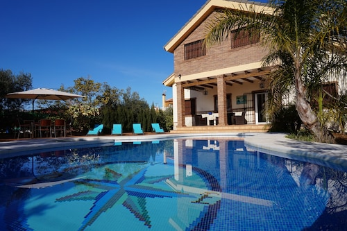 Exclusive Luxury Villa With Climatized Private Pool, Bbk, Jacuzzi, S. Games