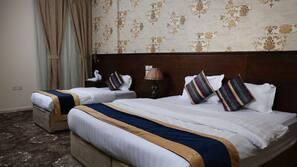 Tallelokero huoneessa, pimennysverhot, ilmainen Wi-Fi