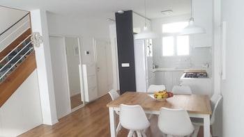Split Center Apartment's