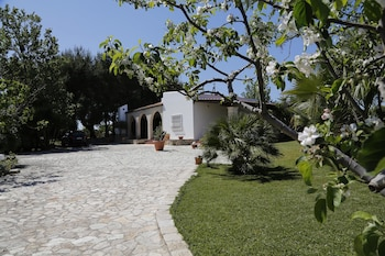 House With 2 Bedrooms in San Vito dei Normanni, With Enclosed Garden - 9 km From the Beach