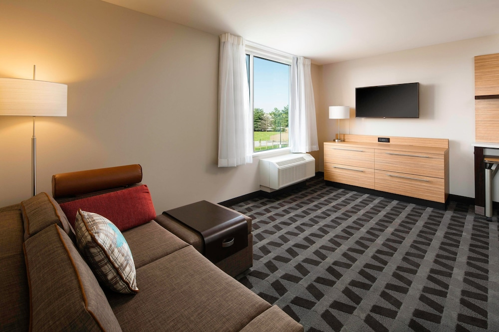 Room, TownePlace Suites by Marriott Louisville Northeast
