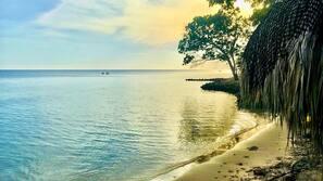 Playa privada y vóley playa