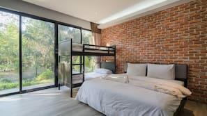 2 bedrooms, desk, blackout curtains, rollaway beds