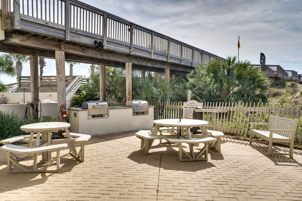 BBQ/Picnic Area, Beachfront at Sandestin