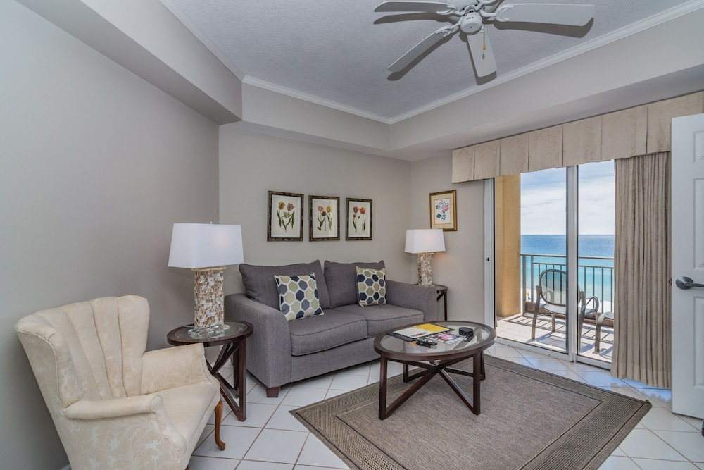 Living Area, Beachfront at Sandestin