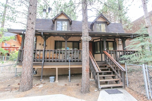 Great Place to stay Mountain Bliss near Big Bear