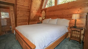 3 間臥室、設計自成一格、家具佈置各有特色、床單