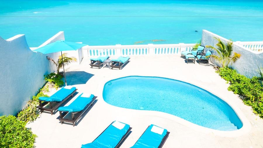 Caprice 9 Cable Beach Design Villa