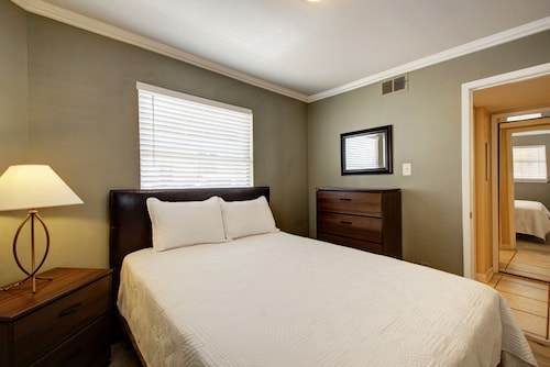 Great Place to stay AustinStays 3 Bedroom Downtown Suite near Austin