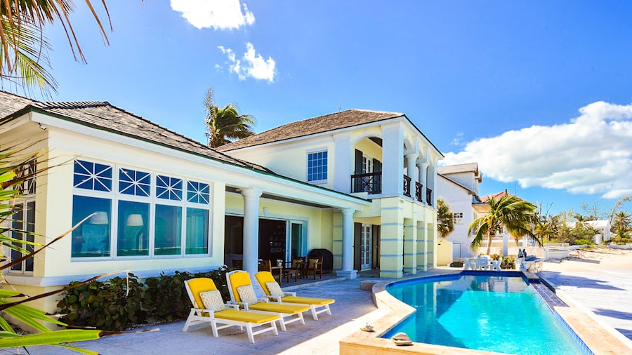 La Mouette Cable Beach Bahamian Villa
