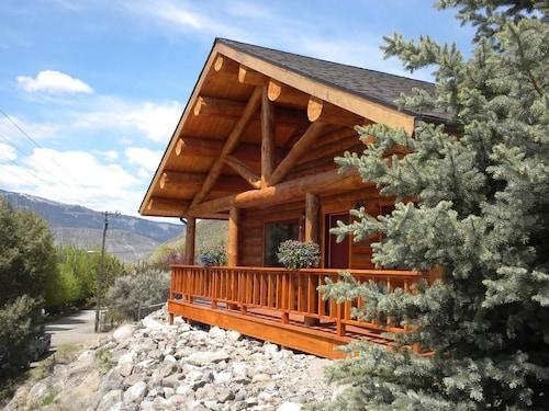 The Roosevelt Hotel - Yellowstone
